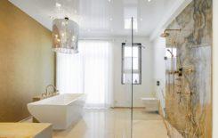 Плюсы и минусы натяжных потолков в ванной комнате