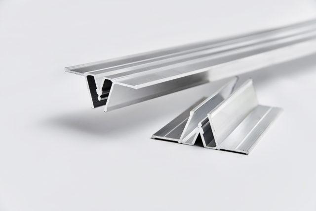 Соединительный багет для натяжных потолков