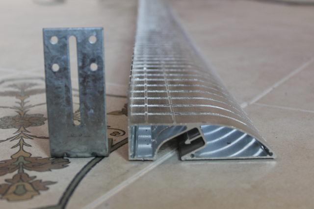 Алюминиевый багет для двухуровневого потолка