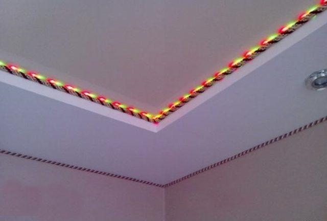 Декоративный шнур на натяжном потолке