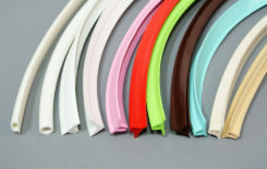 Декоративные вставки для натяжных потолков: выбор и установка маскировочной ленты