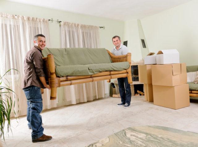Крупногабаритную мебель необходимо вынести