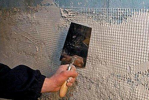 Выравнивание стен с применением штукатурной сетки