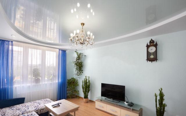 Натяжной потолок пастельного цвета