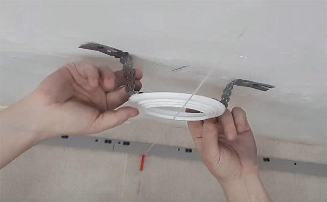Выравнивание по уровню потолка