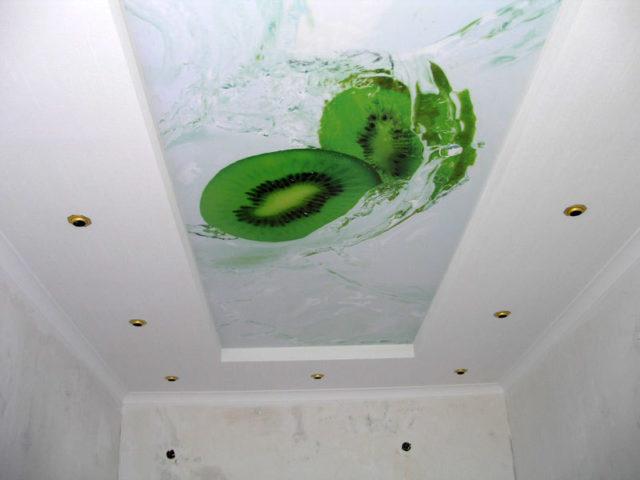 Двухуровневый потолок фотопечать киви