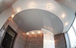 Люстра или точечные светильники — что лучше выбрать для натяжного потолка?