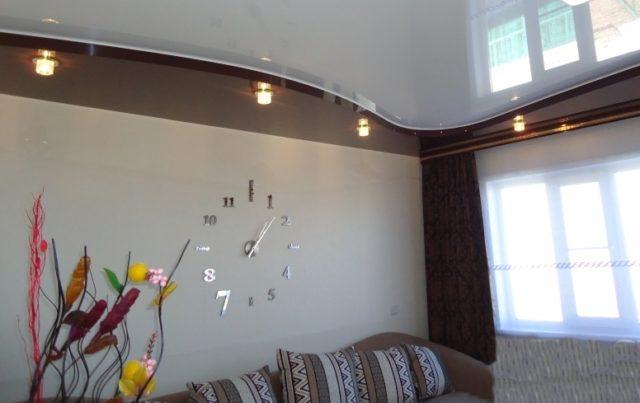 Двухуровневый потолок с акцентным освещением