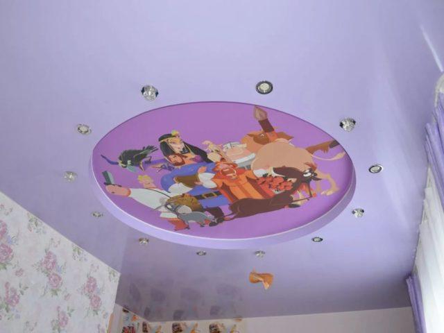 Фотопечать на потолке с героями мультфильмов