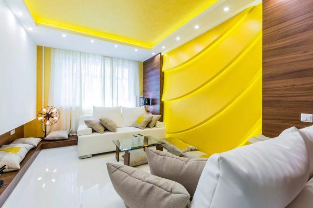 Вариант точечного освещения в гостиной