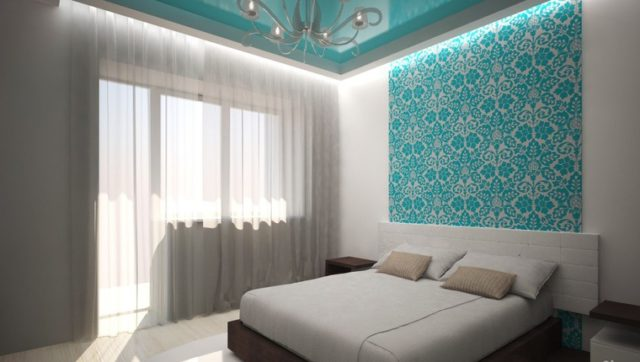 Потолок бирюза с белыми занавесками