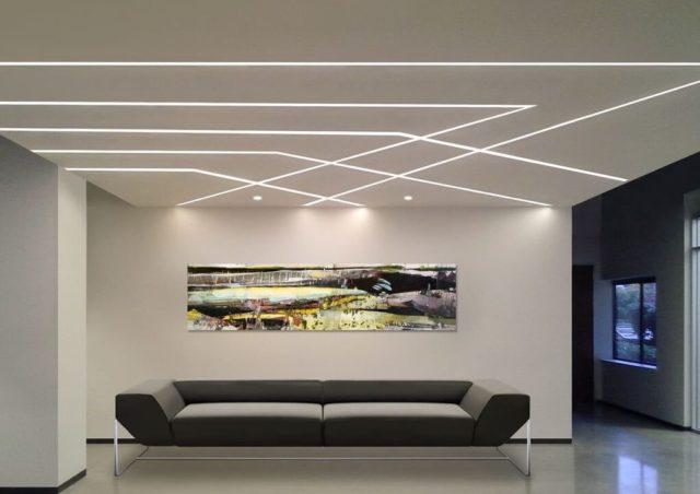 Узор из светящихся линий в гостиной