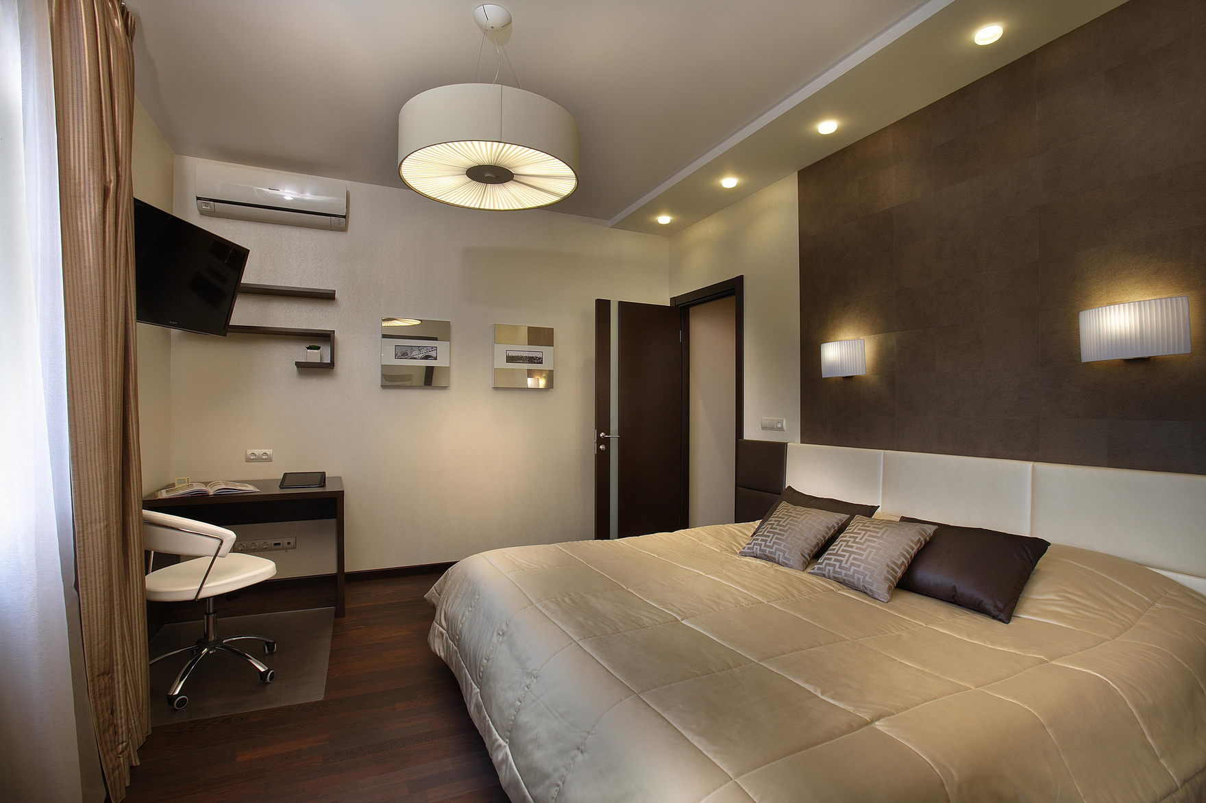Комбинация источников света в спальне