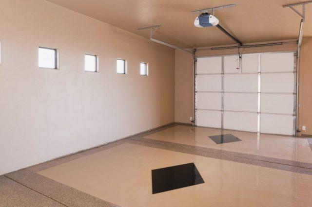 Окрашенный потолок в гараже