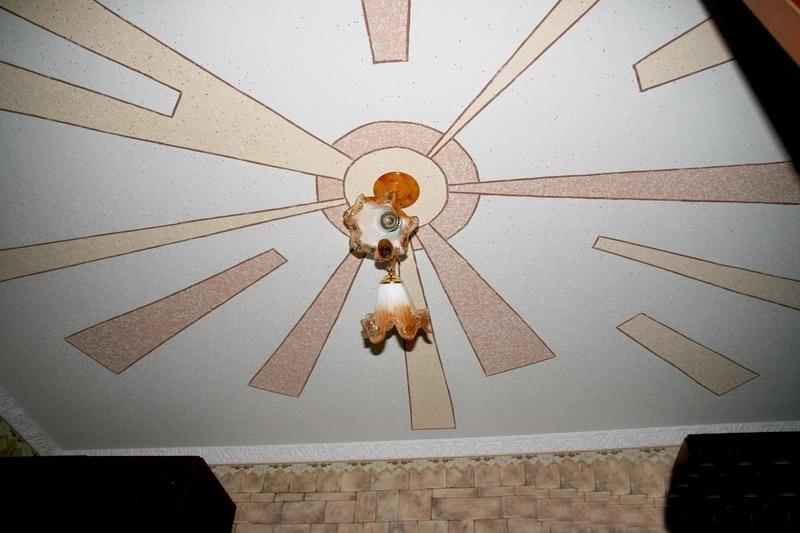 Рисунок на потолке из жидких обоев