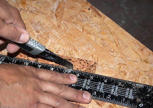 Обрезка пробковой панели по размерам