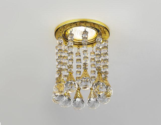 Точечный светильник с подвесками