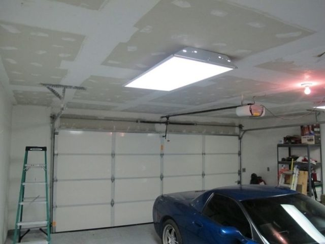 Потолок зашитый гипсокартоном