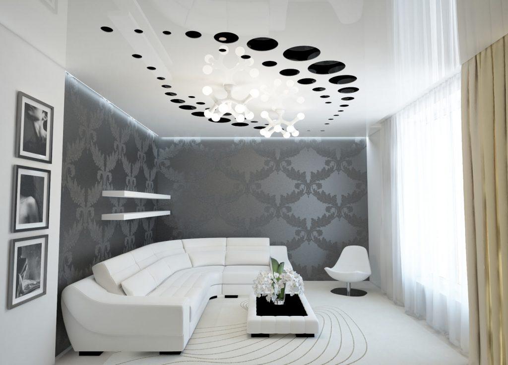 Резной потолок в гостиной