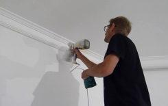 Как правильно покрасить потолочный плинтус из пенопласта