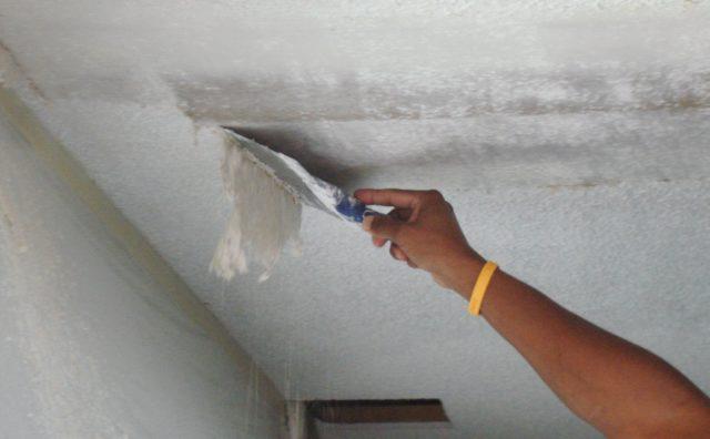 Очищение поверхности шпателем
