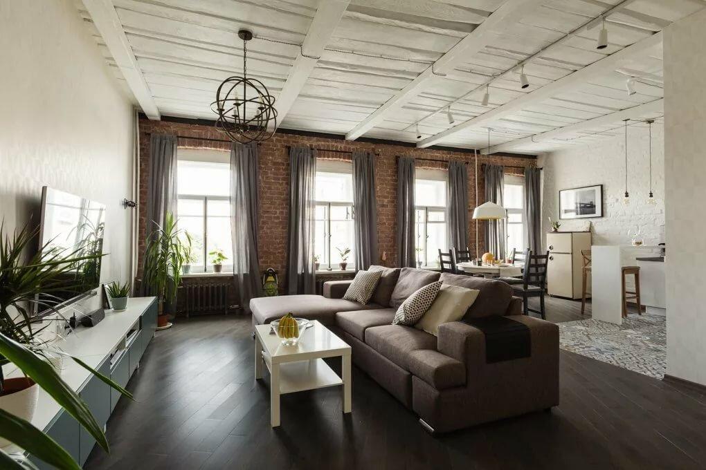 Текстиль на диване и окнах