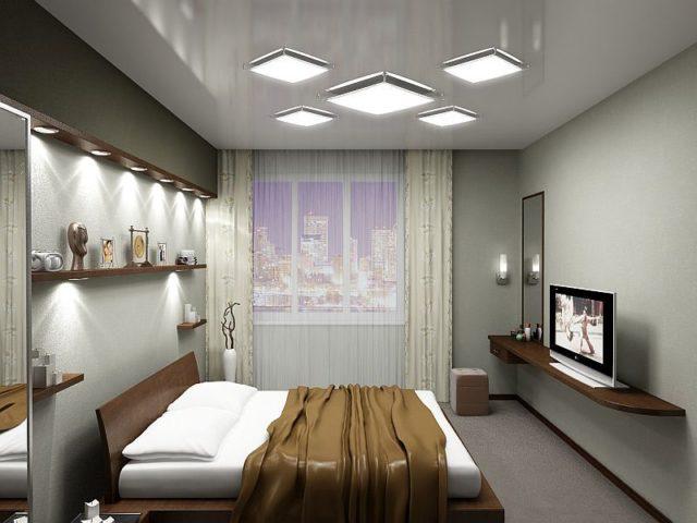 Потолочные светильники в сочетании с точечным светом и бра