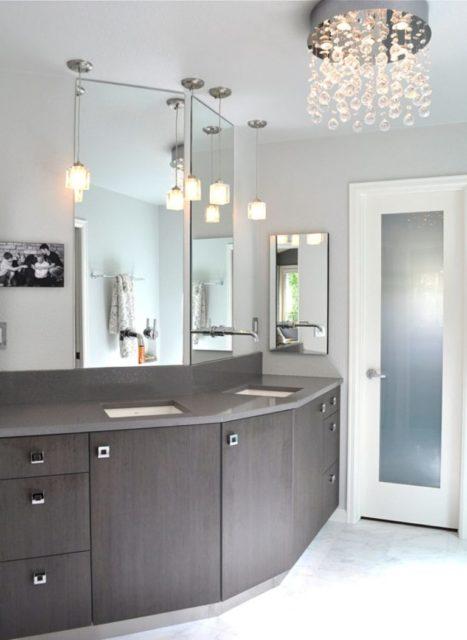 Подвесные светильники в интерьере ванной